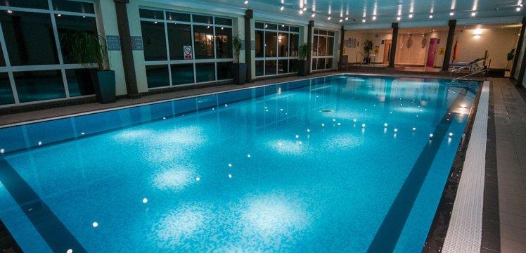 swimmingpool-113e77fdbb61b775cb6986d9aa997b33